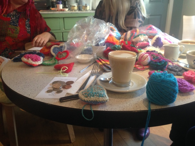 Drop-in crochet session (street decorations)